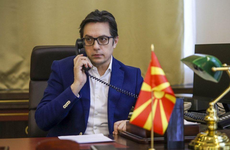 Пендаровски ги потпиша законите од петтиот пакет економски мерки