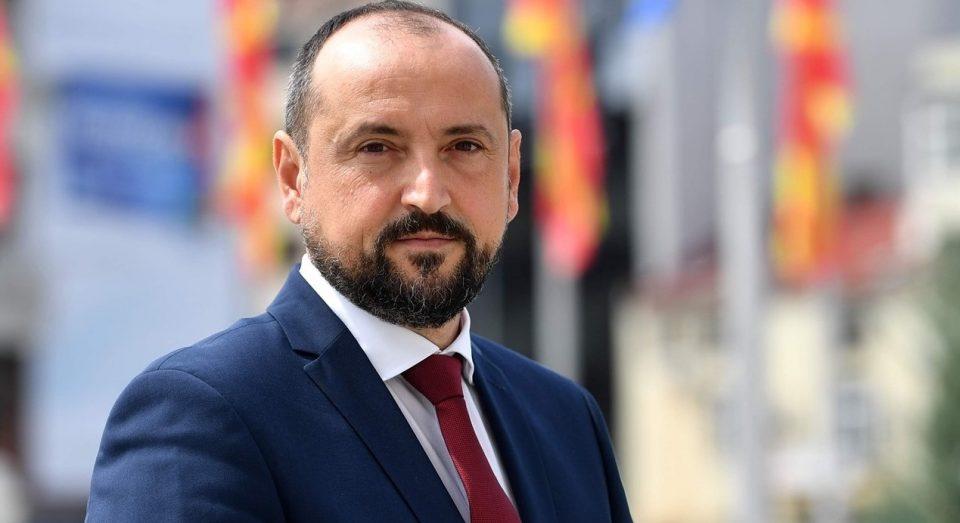 Вицепремиерот Битиќи оди за Косово- ќе го реши ли проблемот со увозот на македонско брашно?