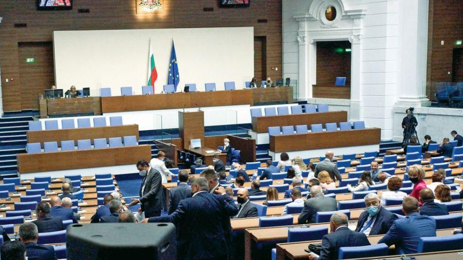 Вонредни паралемнтарни избори во јули се најверојатно сценарио во Бугарија