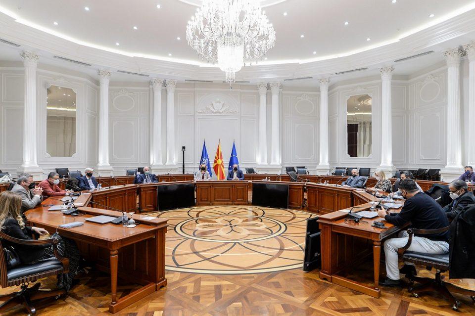 Алаѓозовски на средба со претставници на влашката заедница побара поддршка за Пописот