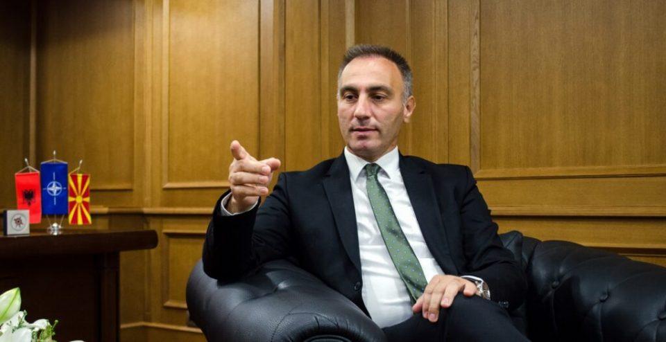 Албанија ќе одлучува за пописот во Македонија?! Груби отиде во Тирана за да разговара…
