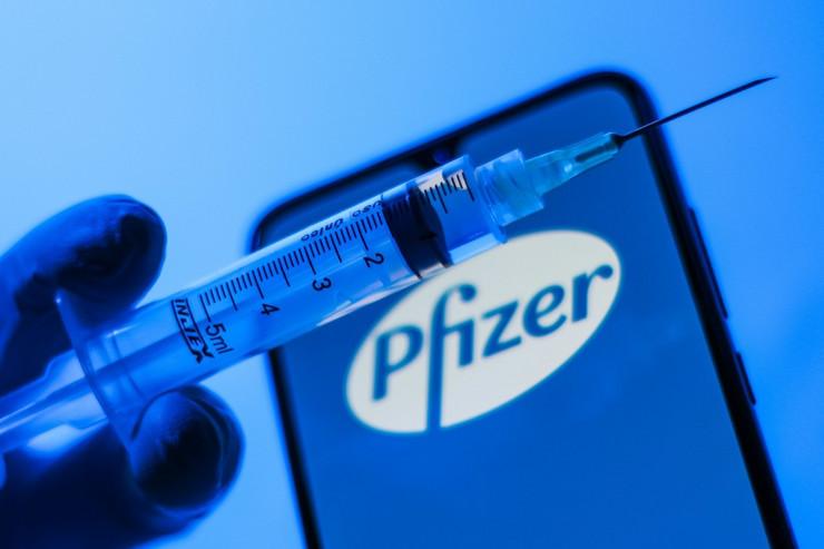 Фајзер почна со тестирање на вакцината на деца