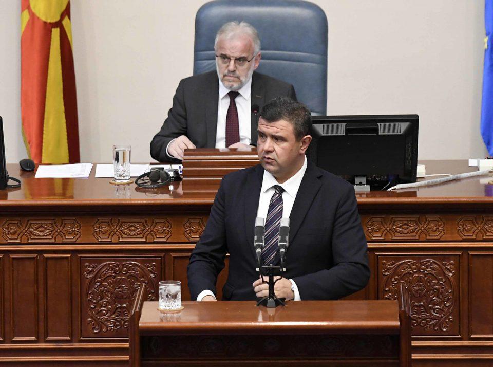 Мицевски до пратениците од власта: Дајте да го изгласаме петтиот сет мерки за граѓаните иако е недоволен