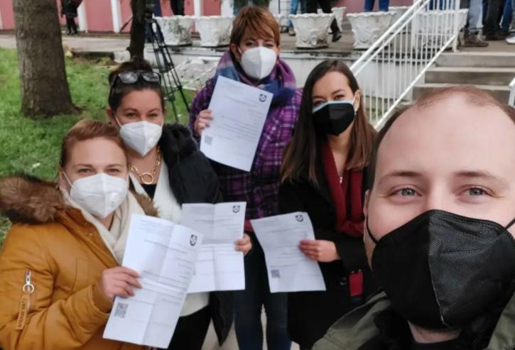 Денеска 100 македонски новинари се вакцинираа во Србија