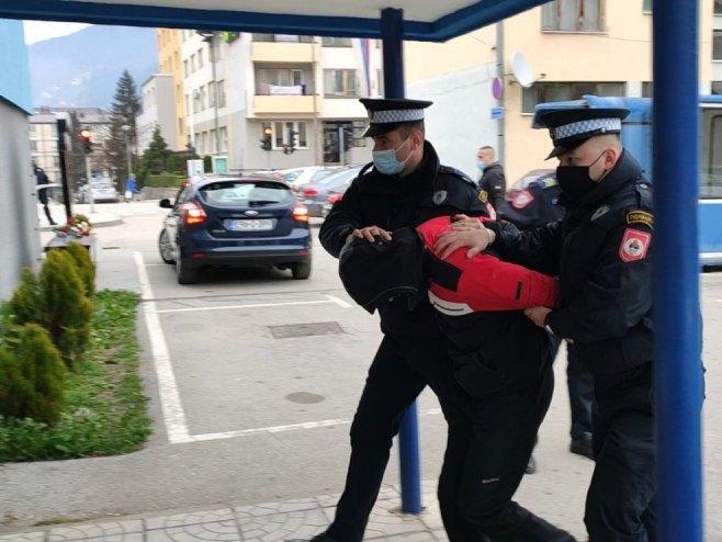 (ВИДЕО) Уапсени осум лица за измами за местени спортски натпревари, оштетени и македонски граѓани