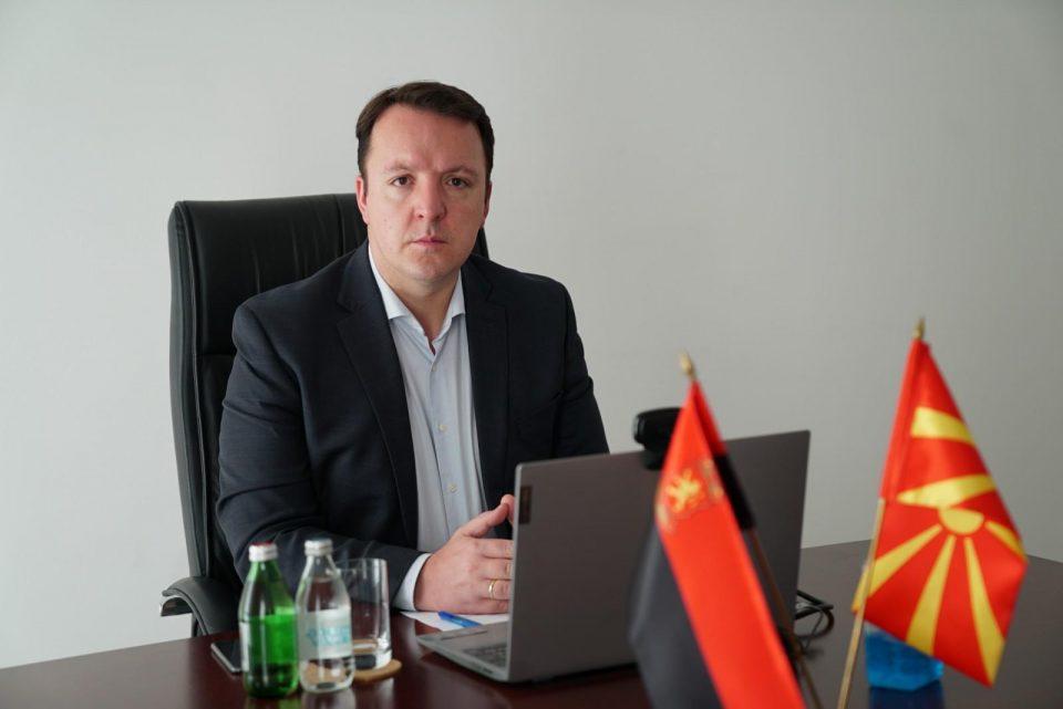 Николоски за колумната на Малески: Поткопувањето на темелите на Македонија нема да успее