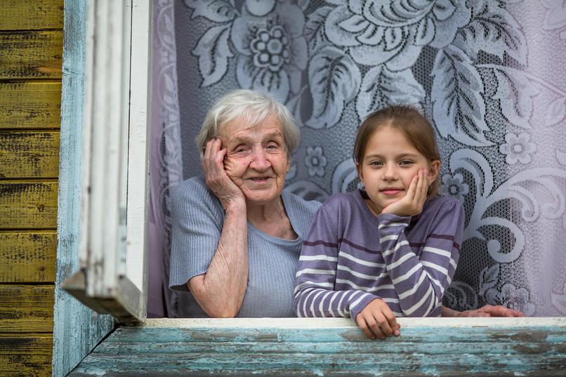 Денеска е Светски ден на бабите