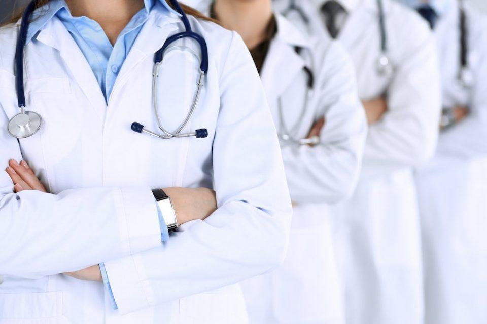 Педесет млади лекари оставени без работа, а со загарантиран стаж – од Министерството нема одговор