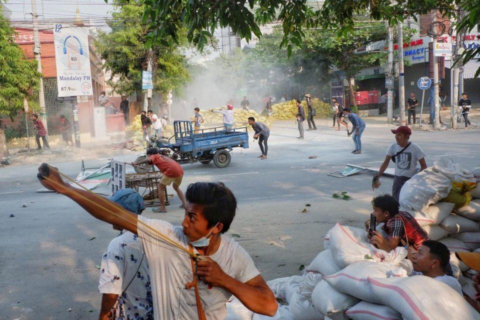 Пандемијата поттикна немири и нестабилност: Која земја помина најлошо?