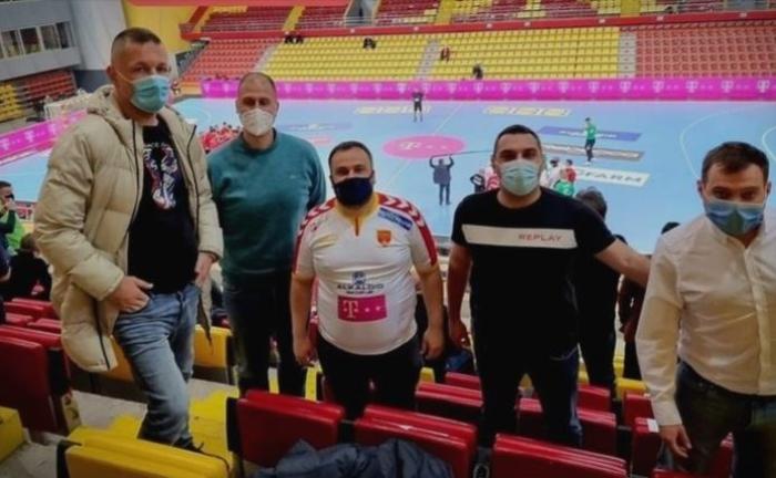 Парични казни за функционерите на СДСМ кои во сала го гледаа натпреварот Македонија – Данска