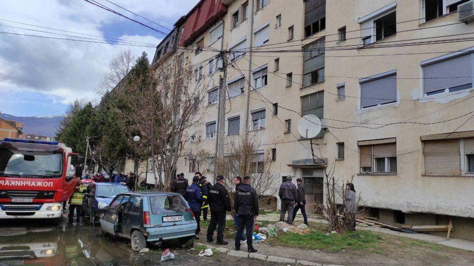 Едно лице потешко повредено во пожар во зграда во Гостивар