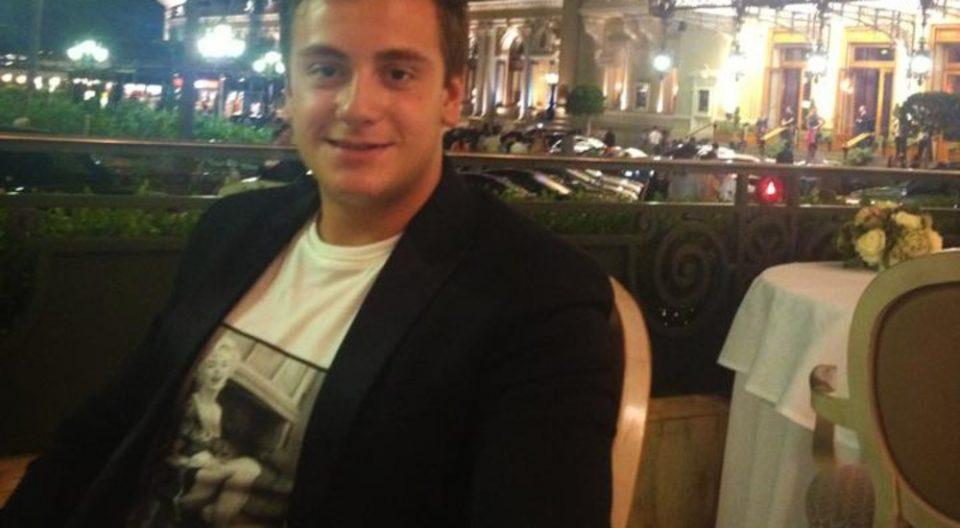 (ЕКСПЛИЦИТНО ВИДЕО) Синовите на Сашо Мијалков и Влатко Мијалков брутално претепуваат 19 годишно момче!