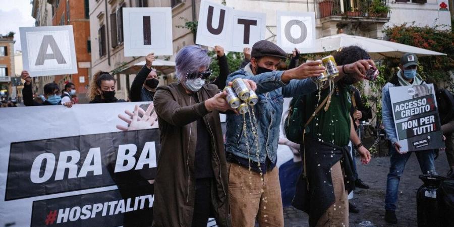 """Италјанските родители и деца протестираат против """"непотребното"""" затворање на училиштата"""