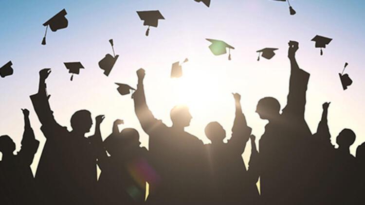 ДЗС: Помалку доктори на науки и магистри лани во однос на 2019 година