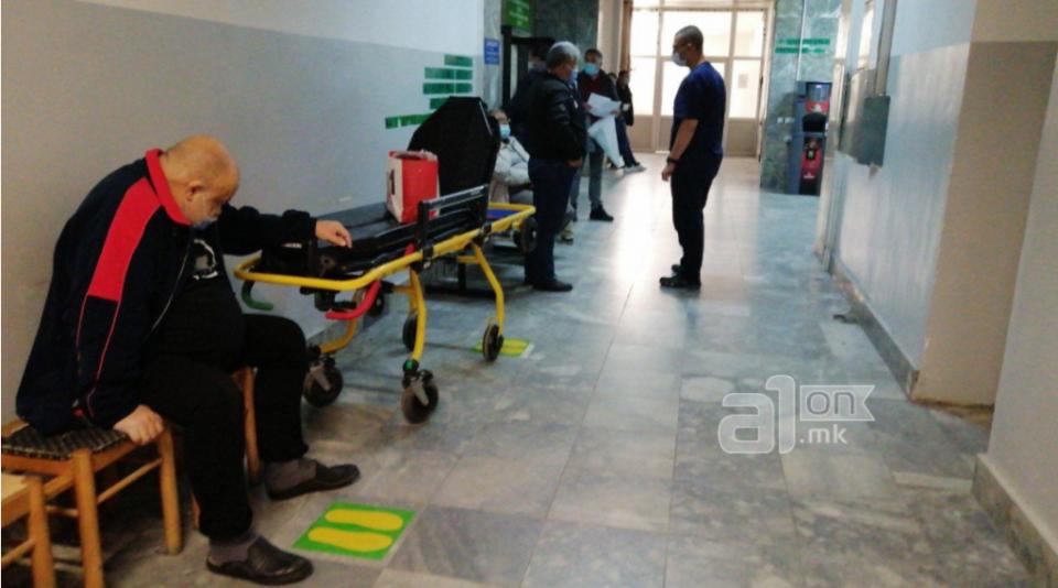 Се судриле 10 минути пред полицискиот час, неколку лица завршиле во болница