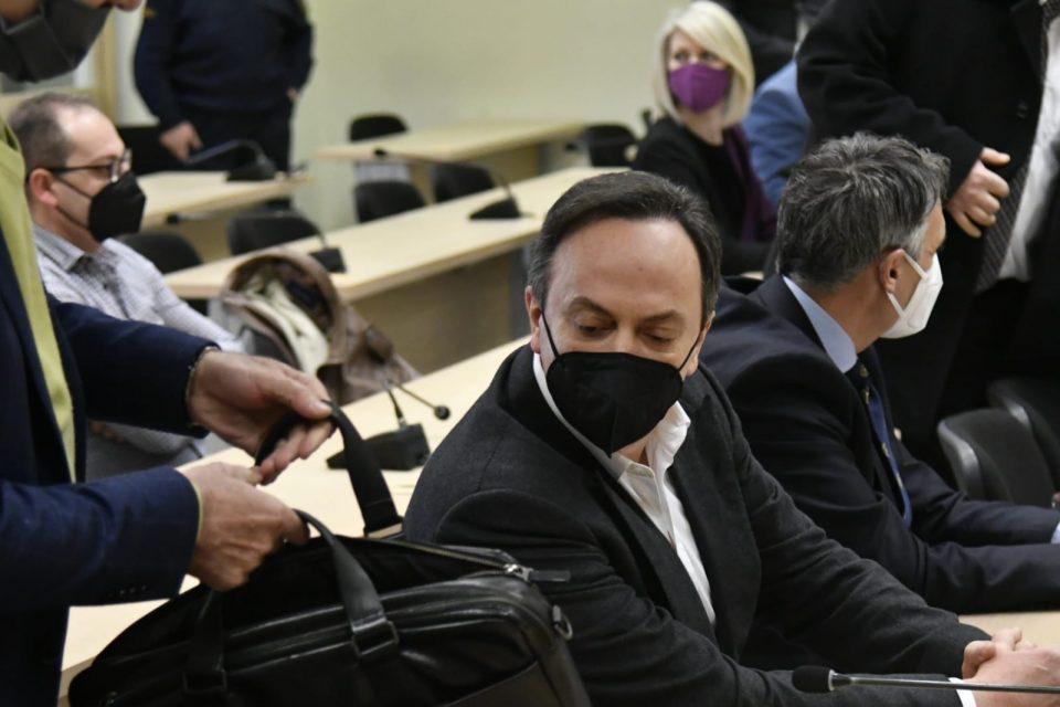 Обвинителство: Прифатливо е Мијалков да се брани од слобода за кауција од 11 милиони евра