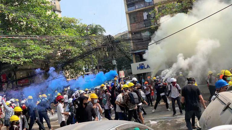 Од воениот удар во Мјанмар убиени најмалку 138 демонстранти против хунтата