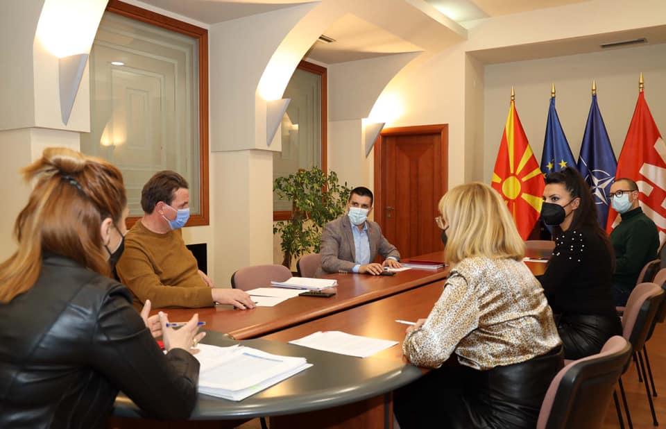 Николовски се врати од Дубаи: Спремни сме за конгрес со еден кандидат – Заев!