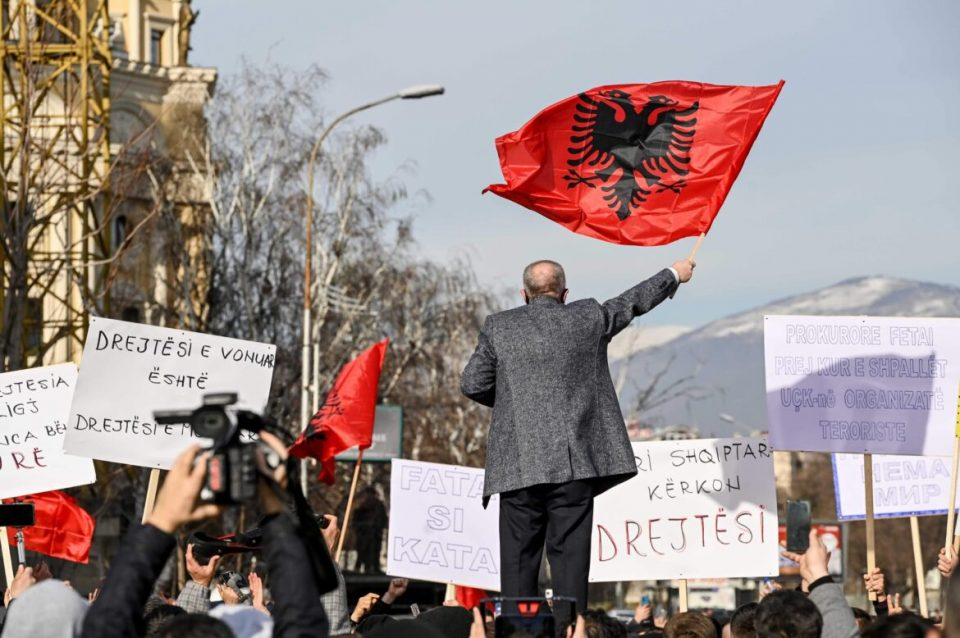 """Организаторот на претходните протести за """"Монструм"""" се дистанцира од денешниот"""