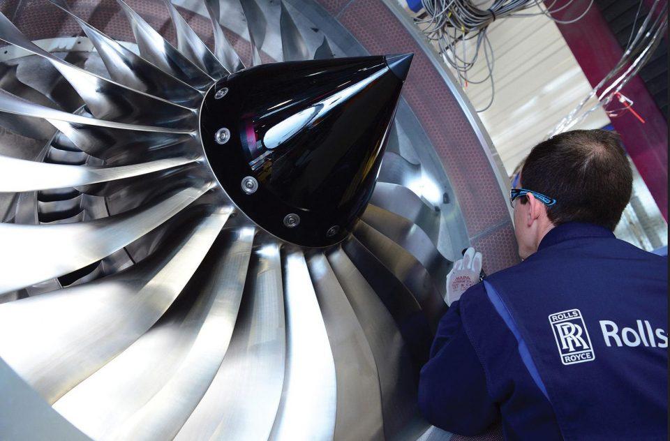 Ролс-Ројс го изработува најголемиот авионски мотор на светот