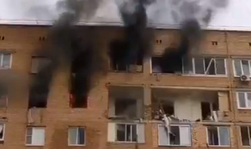 (ВИДЕО) Најмалку три загинати при експлозија во станбена зграда во близина на Москва