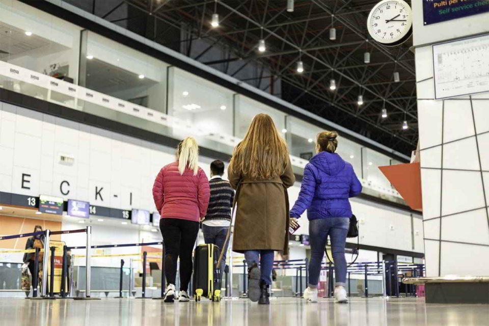 Уапсена жена од тетовско која нападнала полициска службеничка на скопскиот аеродром