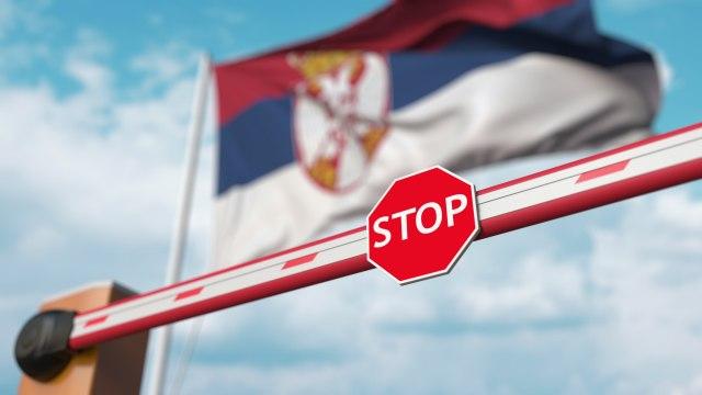 Во Србија ќе може да се патува само со доказ за вакцинација или со негативен ПЦР тест