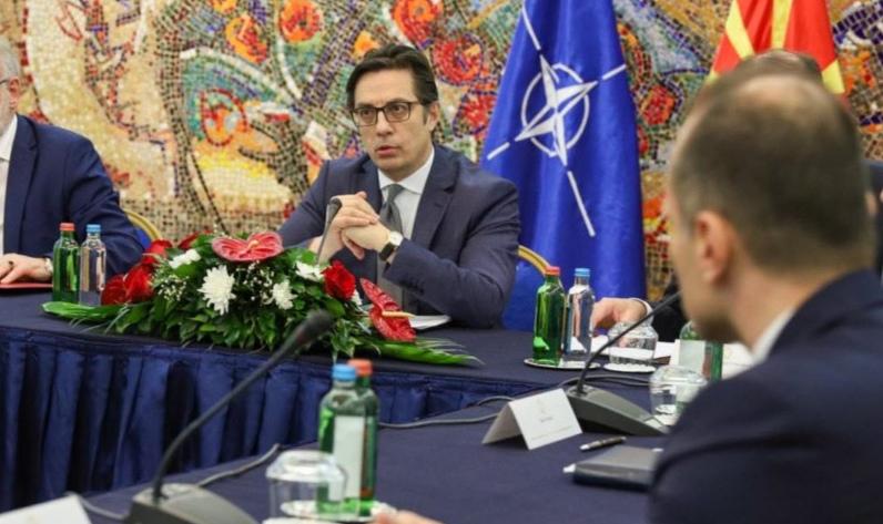Пендаровски му врати на Филипче: Да, Србија покажа солидарност, но сликите не се за фалење