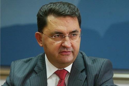 Славески: Петтиот пакет на мерки е заглавен во парламентот поради нестабилното мнозинство на власта