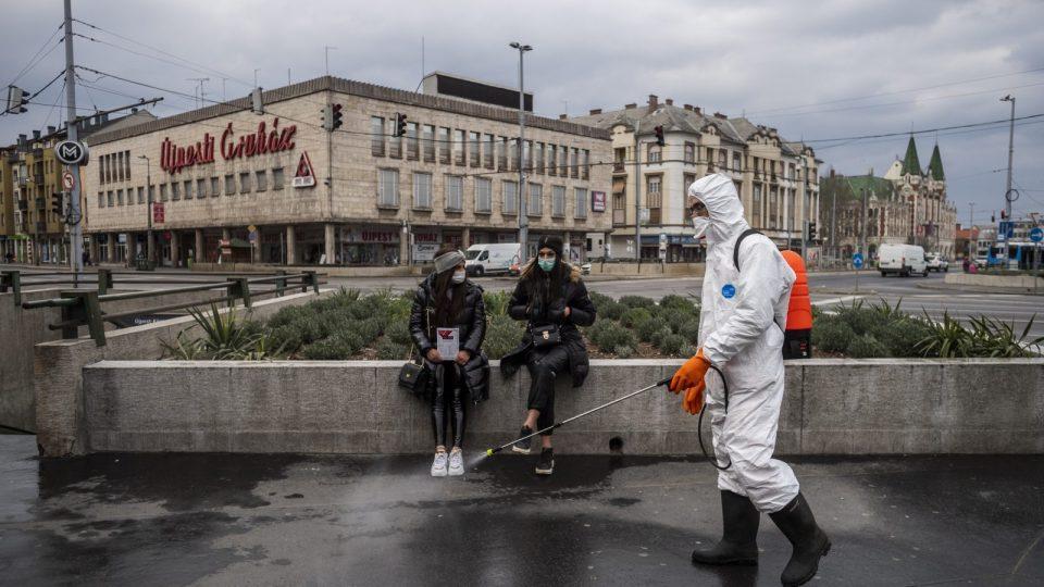 Унгарија ги олеснува рестриктивните мерки