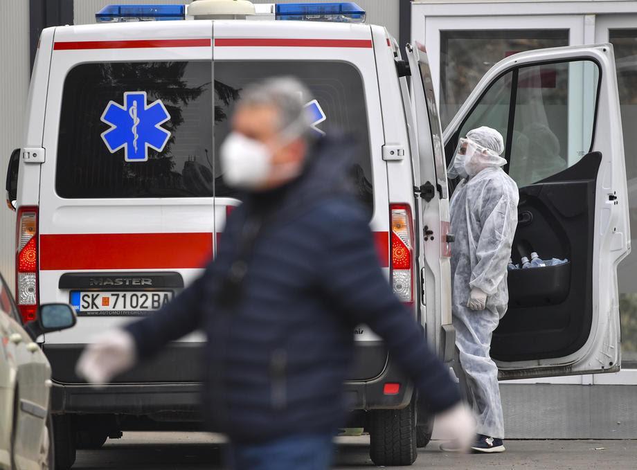 Во болниците има 1422 ковид-пациенти, најмногу во главниот град