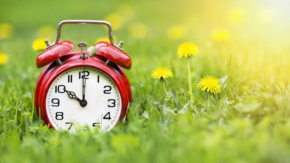 Следниот викенд почнува летното сметање на времето