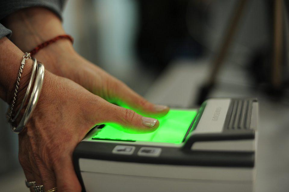 Владата одобрила 720 милиони денари за набавка на терминалите за отпечатоци од прсти за локалните избори