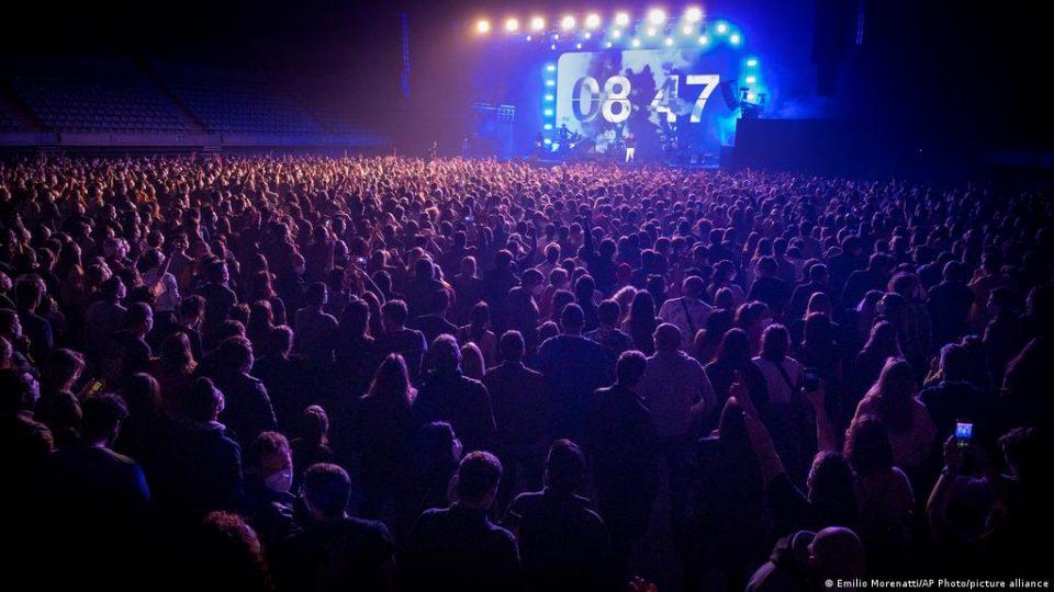 (ВИДЕО) Корона концерт со околу 5.000 луѓе како експеримент