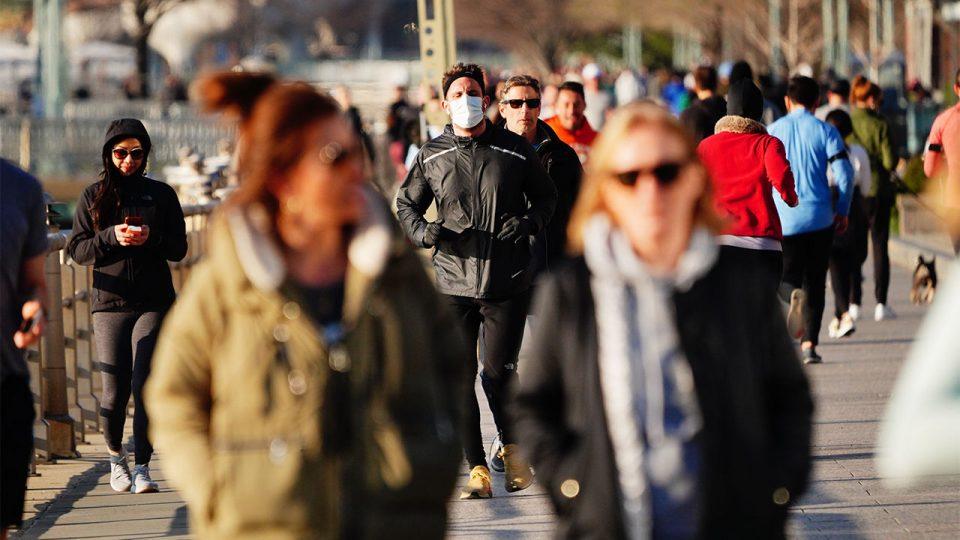 Американски центар за превенција: Вакцинираните не мора да носат маски