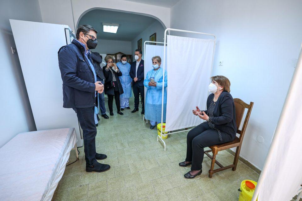 Пендаровски: Вакцинацијата да се одвива континуирано до целосна имунизација на населениетo