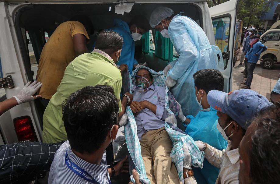 Пожар во болница во Индија, 13 пациенти настрадаа