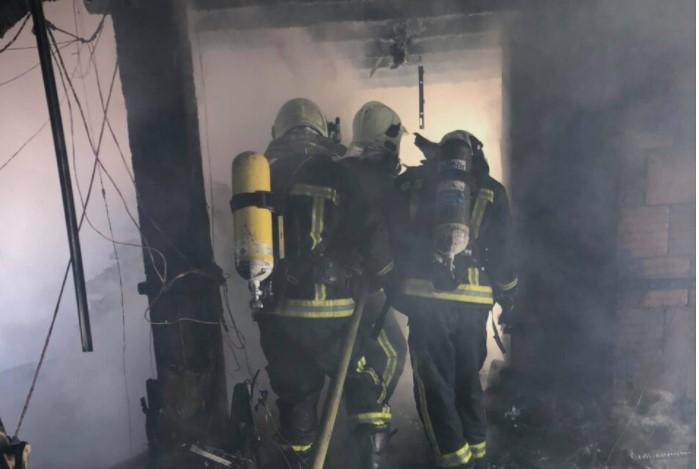 Во пожар цела барака изгоре до темел