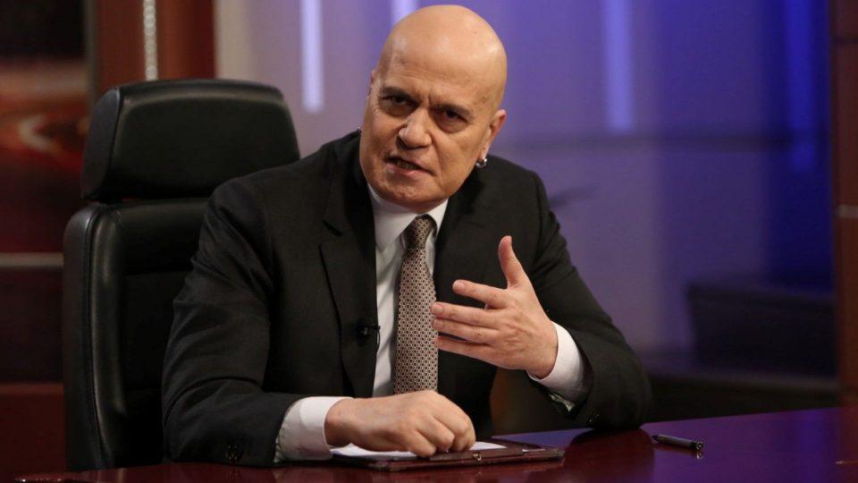 Бугарија во политичка криза: Партијата на Слави Трифонов го доби, но веднаш го врати мандатот за влада