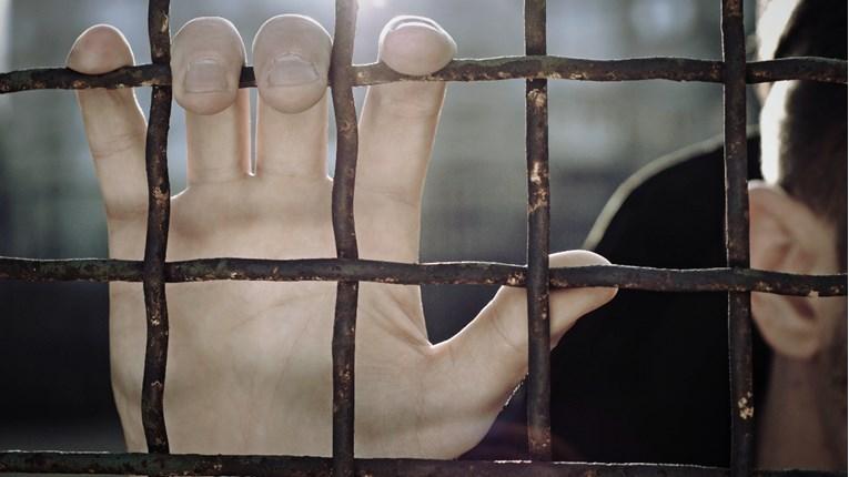 Приведено лице од Тетовско за издржување затворска казна