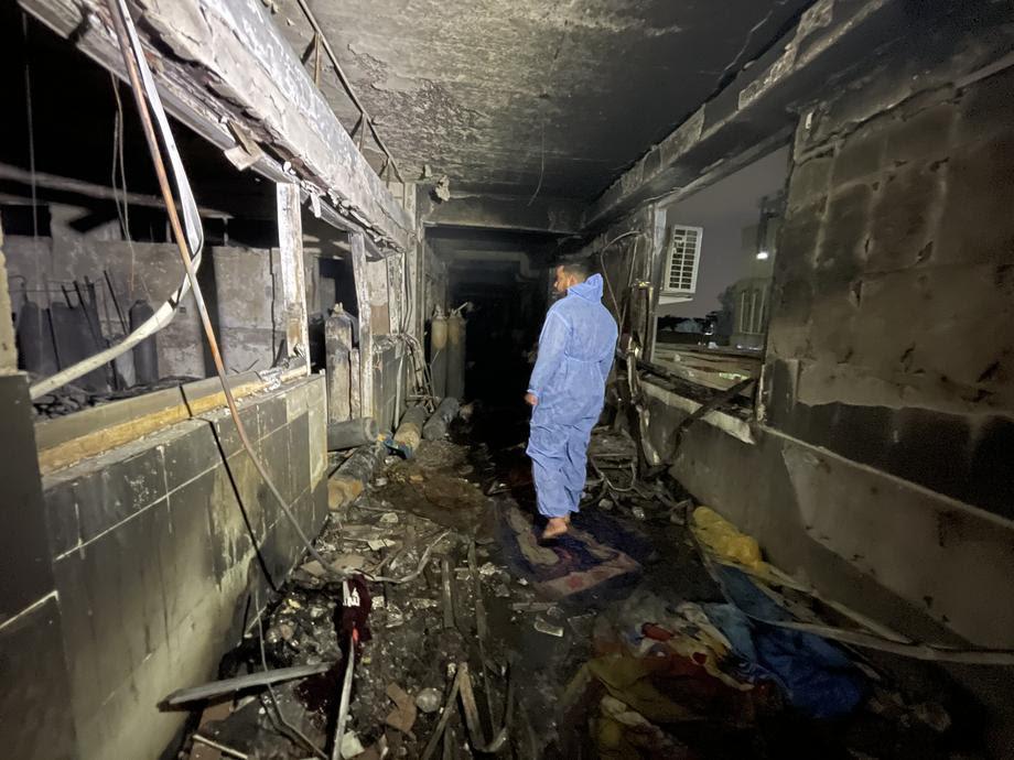 Ирачкиот премиер отпушти здравствени службеници поради пожарот во болницата во Багдад