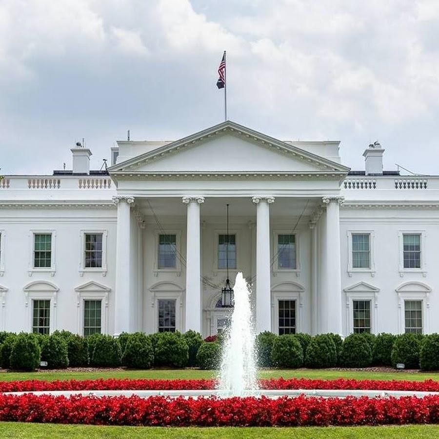Сенаторите на средба со Бајден во Белата Куќа