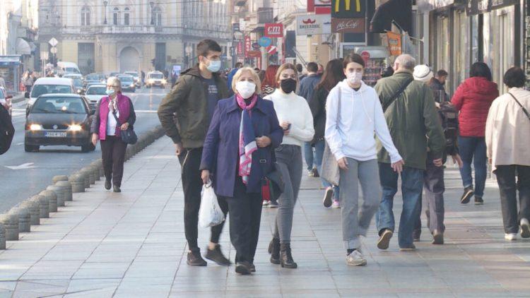 Во БиХ веќе не е задолжително носење маски на отворено