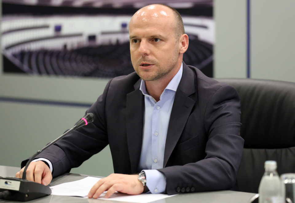 Директорот на Агенцијата за странски инвестиции позитивен на Ковид-19