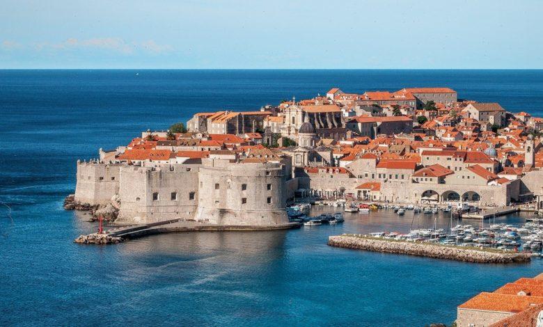 """Во игра туристички """"зелен пасош"""": Договорени Хрватска и 12 членки на ЕУ"""