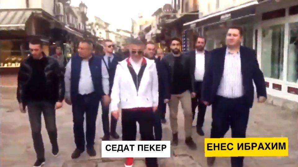 (ВИДЕО) Енес Ибрахим од СДСМ во прошетка низ Старата чаршија со турскиот криминалец со македонски пасош