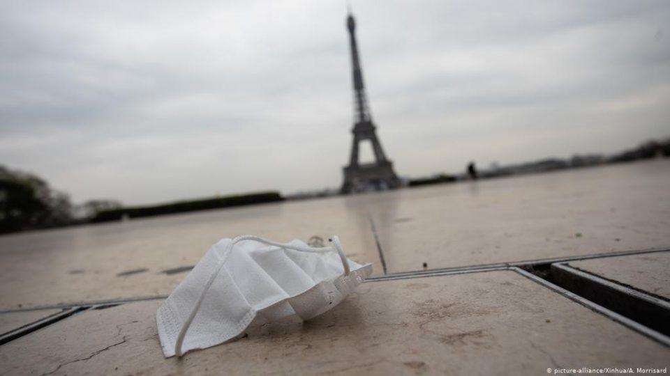 Францускиот Сенат со само 39 гласови ги усвои новите ограничувања против епидемијата