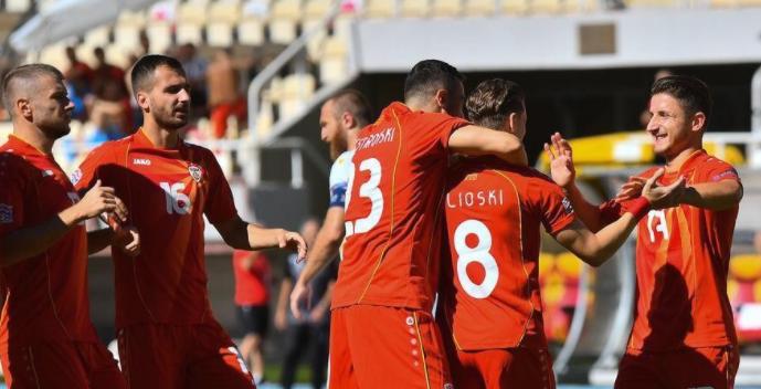 Македонските фудбалери напредуваа три места на ФИФА рангирањето