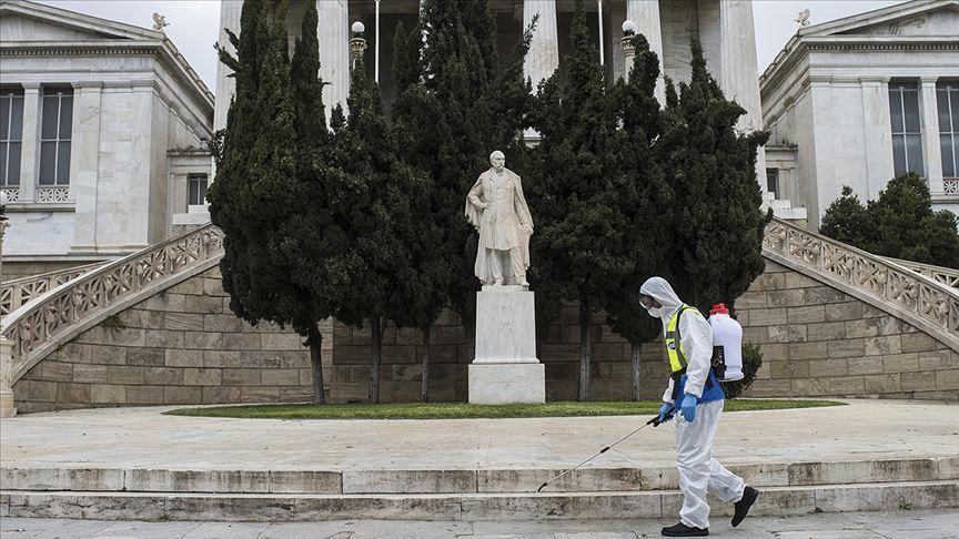 Грција се наоѓа пред критични два месеца