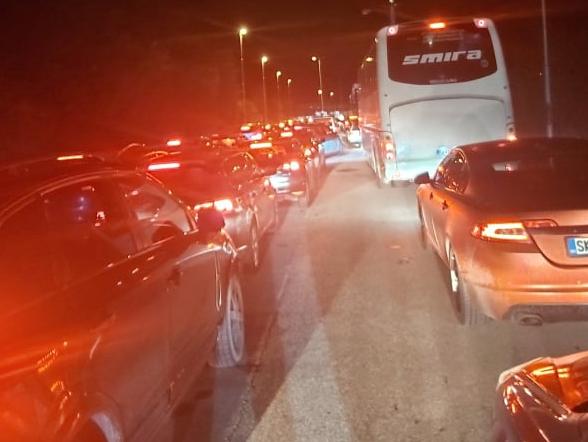 Нормализиран сообраќајот на границата меѓу Косово и Македонија